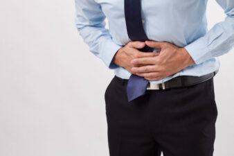 多年腹痛與脊椎有關